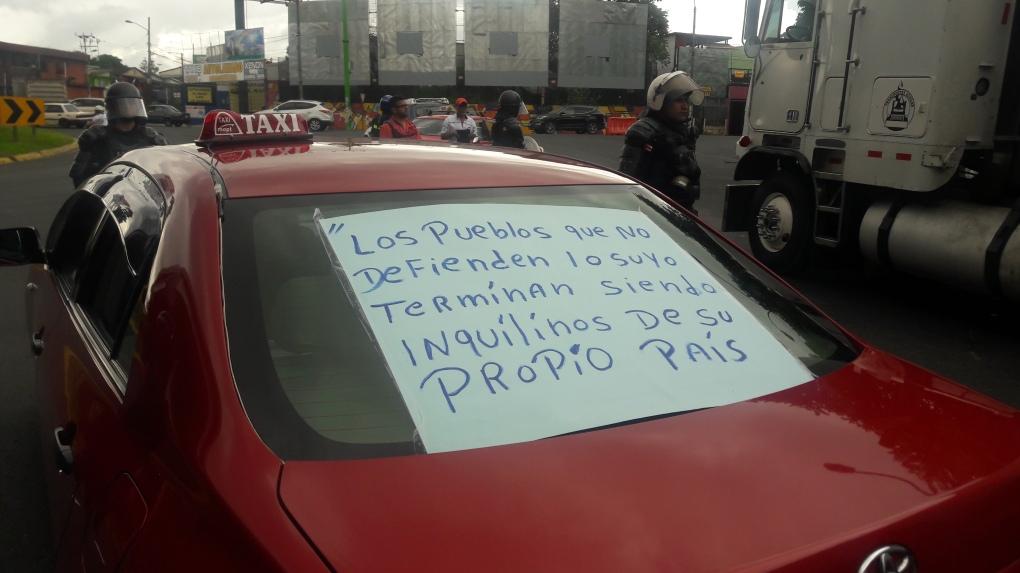 Taxistas-contra-Uber.jpg