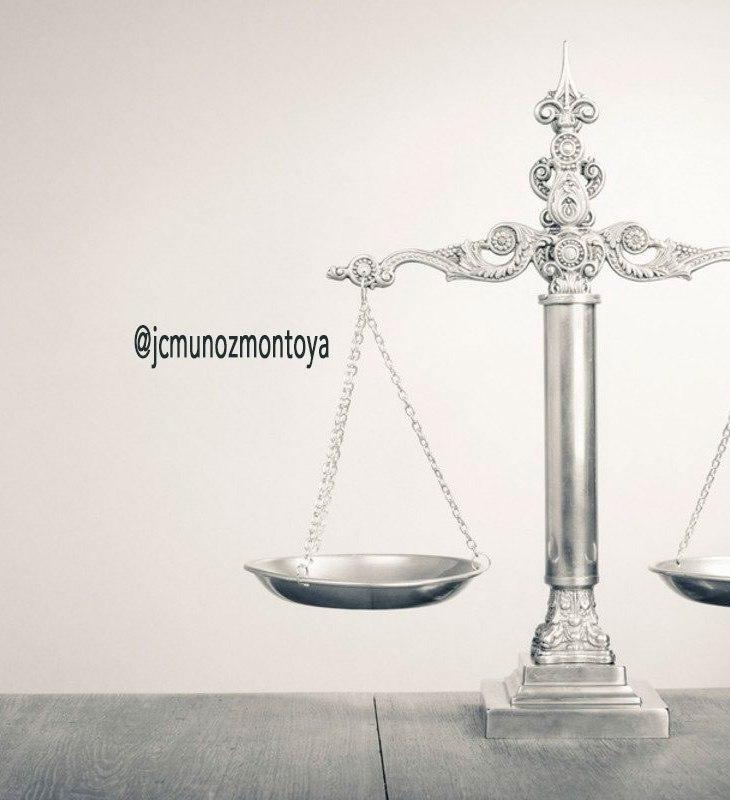 de hechos y de derechos